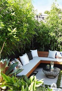 Backyard garden Oasis – 20 Urban Backyard Oasis With Tropical Decor Ideas… - Modern Backyard Seating, Small Backyard Landscaping, Small Patio, Backyard Patio, Landscaping Ideas, Backyard Designs, Pergola Ideas, Small Outdoor Spaces, Patio Design
