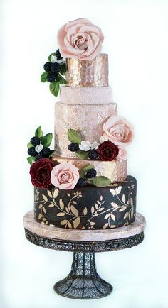 Floral Wedding Cakes Heads over heels for these glam vintage wedding cakes by Bliss Pastry. Metallic Wedding Cakes, Wedding Cake Roses, Black Wedding Cakes, Floral Wedding Cakes, Beautiful Wedding Cakes, Gorgeous Cakes, Wedding Cake Designs, Pretty Cakes, Cute Cakes