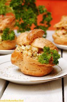 Ptysie na słono nadziewane sałatką jarzynową Salmon Burgers, Ethnic Recipes, Food, Essen, Meals, Yemek, Eten