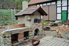 Steinbackofen // Lehmbackofen selbst gebaut built brick oven itself #Steinbackofen #Lehmbackofen