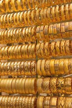 Gold Ring Designs, Gold Bangles Design, Gold Earrings Designs, Bangle Set, Bangle Bracelets, Arabic Jewelry, Coin Jewelry, Jewellery Uk, Jewlery