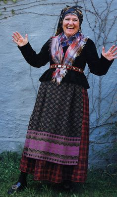 FolkCostume&Embroidery: Overview of Norwegian Costumes, part The eastern heartland Plaid Vest, Wool Vest, Norwegian Clothing, Costumes Around The World, Folk Clothing, Embroidered Caps, Married Woman, Folk Costume, Gray Jacket