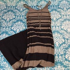 Vince long dress The most amazing dress! So cute and comfortable. The material is like a thin light sweater and very soft. Pair with an oversized sweater and belt for a perfect winter look. Perfect condition worn only a few times. Vince Dresses Maxi