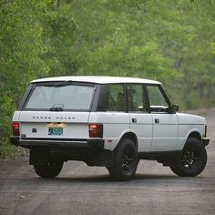 "2,109 Likes, 9 Comments - @landroverphotoalbum on Instagram: ""1995 Range Rover Classic SWB in Alpine White. By @congletonservice #landrover #rangerover…"""
