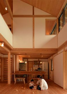 吹き抜けと真壁で作られたリビング。 もっと見る Modern Japanese Architecture, Japan Interior, Narrow House, Interior Decorating, Interior Design, My Dream Home, Interior And Exterior, Condo, Space