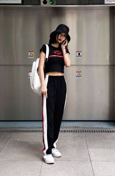 korean street fashion// black w/ a red and white contrast. Korean Street Fashion, Korean Outfit Street Styles, Korean Fashion Trends, Korea Fashion, Kpop Fashion, Korean Outfits, Fashion 2017, Asian Fashion, New Fashion