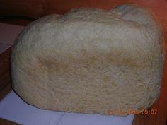 Vaalea leipä leipäkoneessa Bread, Food, Brot, Essen, Baking, Meals, Breads, Buns, Yemek