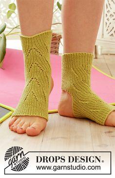 Knitting socks pattern free drops design Ideas for 2019 How To Start Knitting, Easy Knitting, Knitting Socks, Knitting Patterns Free, Drops Design, Baby Afghan Crochet, Crochet Socks, Patterned Socks, Yoga