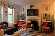 Lindsay and Garrett's Pursuit of Style House Tour Living Room Modern, Home Living Room, Small Living, Apartment Living, Living Spaces, Apartment Therapy, Milan Apartment, Apartment Design, Apartment Ideas