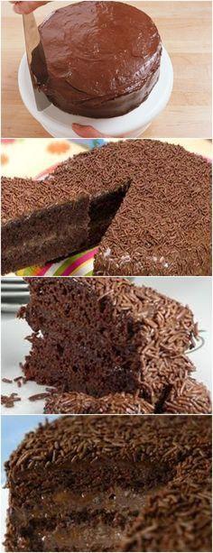 BRIGADEIRO JÁ É BOM,IMAGINE UM BOLO DE BRIGADEIRO,NÃO TEM QUEM RESISTA!! VEJA AQUI>>>Misture as gemas com o açúcar até homogeneizar. Adicione o chocolate dissolvido na água e misture bem. #receita#bolo#torta#doce#sobremesa#aniversario#pudim#mousse#pave#Cheesecake#chocolate#confeitaria