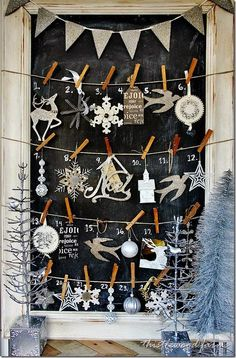 Christmas chalkboard advent calendar via Romantiska Hem