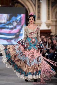 We Love Flamenco 2020 - Sevilla Flamenco Skirt, Spain Fashion, Girls Dresses, Formal Dresses, Bohemian Gypsy, Skirt Fashion, Fashion Photo, Tie Dye Skirt, Organic Cotton