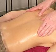 How to give a back massage...i need my boyfriend to read this!! Cuz his back rubs SUCK