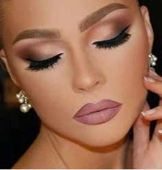 Eye shadows always add up to your look. If you are planning to apply eye shadow, make sure you apply it before the application of eye liner or kohl. It will be a great achievement to master the smoky eye look because it is one of the latest eye makeup looks. Add to the bling with the addition of shimmers or shimmery eyeshadows. Be very careful while choosing the colors of your eyeshadow because they must match well with your outfit as well as the color of the eyeliner.