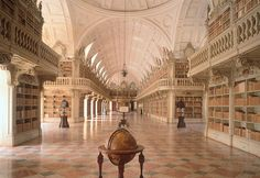 Bibliothèque de Mafra Palace au Portugal