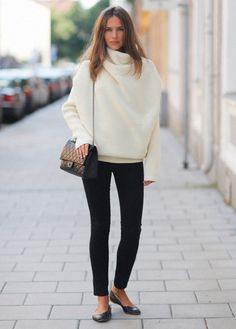 love this sweater // chanel bag