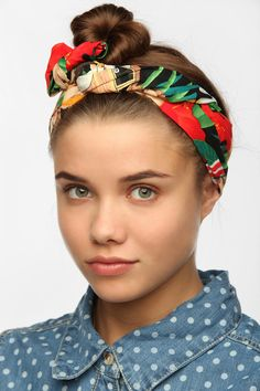 Cult Gaia Pin-Up Headwrap (urbanoutfitters.com)