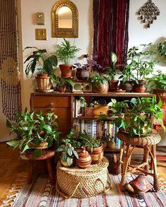 Bohemain stilvolle Inneneinrichtung – DIY Home Decor Bohemian House, Bohemian Interior, Bohemian Living, Modern Bohemian, Boho Chic, Bohemian Style, Bohemian Apartment, Apartment Living, Decorate Apartment