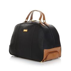 Your destination awaits. Get there with your necessities in this fabulous wheeled bag. Perfect for just a few outfits over a couple of days, or as a complement to a larger luggage set, this duffle rol