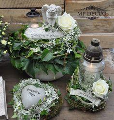 Grave Flowers, Cemetery Flowers, Church Flowers, Funeral Flowers, Funeral Floral Arrangements, Modern Flower Arrangements, Front Garden Entrance, Flower Decorations, Christmas Decorations