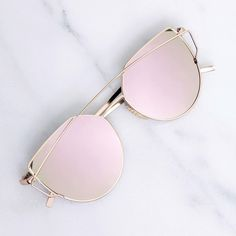 Rose Mirror Sunglasses Brand new - no tags. Gold metal sunglasses with mirrored lenses that reflect multiple shades of rose and pink. With metal temples and nosepads. Price is firm. RG04163. Photos are my own. ❌No trades ❌No PayPal ❌No asking for the lowest price Accessories Sunglasses