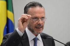 Luciano Coutinho assume presidência do Conselho de Administração da Petrobras - http://po.st/qpREXm  #Destaques - #GuidoMantega, #LucianoCoutinho, #Petrobras, #Renúncia