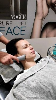 Ems face training. #geniusbymihabodyteclarissa #larisa #ems #pureliftface #facelifting #geniusbymihabodyteclarissa #facelifting #beauty #freshskin #electro #greece #natural #vogue #glamour #beautifulgirls #bottox #collagen #elastin #shine Collagen, Ems, Greece, Vogue, Training, Glamour, Pure Products, Natural, Face
