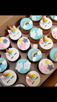60 Super Ideas For Party Ideas Unicorn Cake Unicorn Themed Birthday, Unicorn Party, Birthday Cake, Cupcake Tier, Cupcake Cakes, Unicorn Foods, Unicorn Cupcakes, Savoury Cake, Mini Cakes