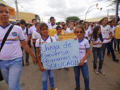 Blog Paulo Benjeri Notícias: Alunos fazem protesto cobrando pagamento dos motor...