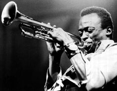 Is there a better trumpet player in Jazz? I can't think of one. Miles Davis needs no explanation. Please please please listen to this man :D