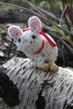 Easter Bunny knitting pattern by SebastianLovesKnit on Etsy
