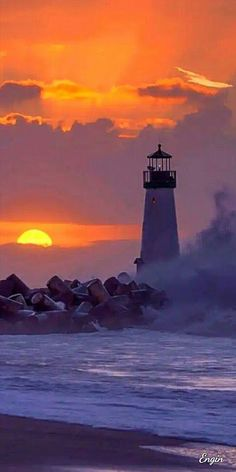 The story of two lighthouse keepers on a remote and mysterious New England island in the Lighthouse Painting, Lighthouse Pictures, Lighthouse Keeper, Nature Pictures, Cool Pictures, Beautiful Pictures, Beautiful Sunset, Beautiful Places, Belle Photo