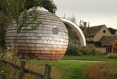 eco pod Eco Pods, Coven, Maine, Eco Friendly, Sweet Home, Office Ideas, Building, Outdoor Decor, Eggs
