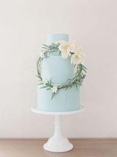 featured wedding cake: Earth and Sugar; Featured Photographer: Melanie Gabrielle
