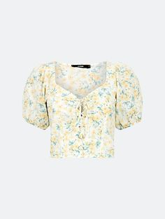 Multi Enchanted topp med knyting | Dame | Overdeler - T-skjorter på BikBok.com Enchanted, Floral Tops, Crop Tops, Lace, Women, Fashion, Moda, Top Flowers, Fashion Styles