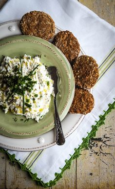 cottage cheese and whole crackers