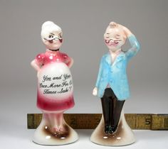 Vintage; Kissing Salt Pepper Shakers Original Sticker Hipper Mann