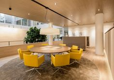 Hofman Dujardin Architects has developed a new office space for law and notary firm BarentsKrans located in The Hague.