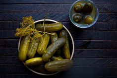 Real Sour Pickles, traditionally made by allowing cucumbers to ferment in saltwater and spices. DILL PICKLES from Nourished Kitchen Probiotic Foods, Fermented Foods, Detox Recipes, Healthy Recipes, Sour Pickles, Pickling Cucumbers, Homemade Pickles, Sauerkraut, Canning Recipes