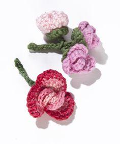 Crochet Flower: Rolled Rose and Rosebud