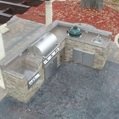 Adorable 40 Awesome Outdoor Kitchen Design Ideas https://bellezaroom.com/2018/02/21/40-awesome-outdoor-kitchen-design-ideas/