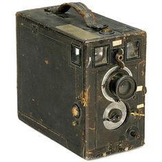 """French Detective Camera with Motor and Automatic Plate Changing Mechanism, c. 1910 Photo-Hall, Paris. """"Perfect Detective Magazine Camera"""" for plates of 9 x 12 cm, with Rapid Rectilineaire Extra Rapide lens. Electrical-magnetic shutter operation"""