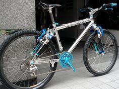 Back in the days.... Sooo cool!!! Manitou FS Was my dream bike!