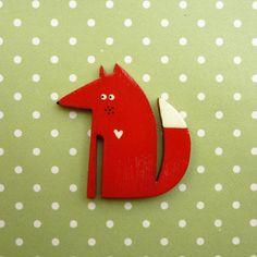 Holzbrosche, der kleine Fuchs mit Herz / cute little wooden brooche, love fox by kiezmietz via DaWanda.com