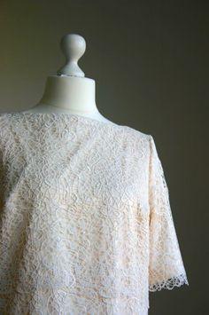 Hochzeitskleid im Stil der Roaring Twenties aus Plauener Spitze von Death by Dress