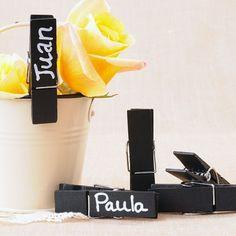 Pinzas de madera efecto pizarra Louis Vuitton Twist, Vows, Chalkboard, Diy, Wedding, Wedding Chalkboards, Wood, Cute Stuff, Casamento