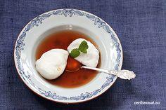 -Krydret rabarbrasuppe med Snøegg- Gingery Rhubarb Soup with SnowEggs