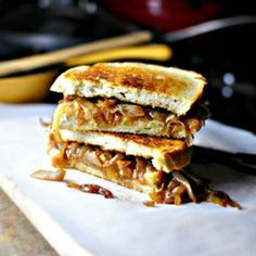 French Onion Soup Grilled Cheese Sandwiches