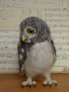 I thought this owl was real at first which makes me think real owls must be fake looking.