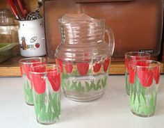 1950s Vintage Tulip Pitcher and 4 Glass Set